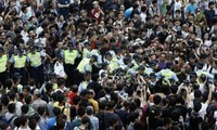 Pasukan keamanan Hongkong (Tiongkok)  menangkap 19 pengacau  provokatif