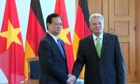 PM Vietnam, Nguyen Tan Dung mengakhiri dengan baik kunjungan resmi di Jerman.