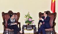 Indonesia  mengangap penting dan memprioritaskan secara kuat hubungan dengan Vietnam