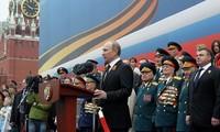 Rusia melakukan Acara parade militer memperingati ultah ke 70- Kemenangan atas Fasisme