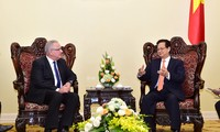 Anggota Pengurus Internasional dan Perkembangan dari Komisi  Eropa berkunjung di Vietnam