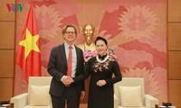 Ketua MN Vietnam, Nguyen Thi Kim Ngan menerima Duta Besar Swedia dan Duta Besar Hungaria