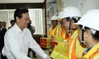 Премьер-министр СРВ Нгуен Тан Зунг посетил комплекс по обработке отходов Дафыок