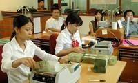 В 2015 году Госбанк Вьетнама стремится увеличить объем платежей на 16-18%