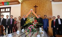 Глава ОФВ Нгуен Тхиен Нян поздравил верующих с Рождеством в провинции Контум