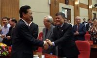 Экс-премьер Вьетнама Нгуен Тан Зунг встретился с избирателями Хайфона