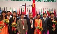 Все 4 вьетнамских школьника завоевали медали на Международной Олимпиаде по биологии