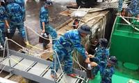 В островной уезд Чыонгша доставляются 500 тонн новогодних товаров