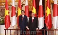 Японские СМИ освещают поездку премьера Японии во Вьетнам