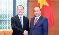 Премьер Вьетнама Нгуен Суан Фук принял президента гонконгской корпорации Sunwah