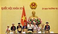 Уонг Чу Лыу встретился с делегацией лучших детей из провинции Баккан