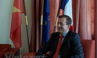 Вьетнамо-французские отношения развиваются всё более активно