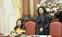 Данг Тхи Нгок Тхинь приняла делегацию авторитетных представителей нацменьшинств провинции Ниньтхуан