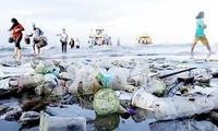 Австралия усиливает борьбу с пластиковыми отходами в Тихом океане