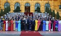 Данг Тхи Нгок Тхинь встретилась с лучшими педагогами профобучения