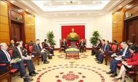 Инвестор из США пообещал найти возможности для инвестирования в частный сектор экономики Вьетнама
