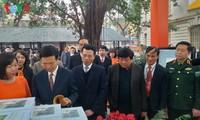 В Ханое открылась книжная выставка в честь 90-летия образования Компартии Вьетнама
