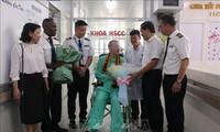 Британские СМИ освещали выписку 91-го пациента из больницы