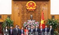 Nguyen Xuan Phuc reçoit les dirigeants de certaines sociétés chinoises