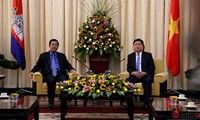 Le Premier ministre cambodgien reçu par les autorités de Ho Chi Minh-ville