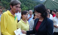 Crues à Khanh Hoa : Dang Thi Ngoc Thinh au chevet des sinistrés