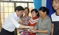 La CGTV distribue des cadeaux aux sinistrés des crues à Phu Yên