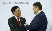 Pham Binh Minh: le droit international devrait garantir un monde stable