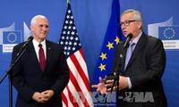 A Bruxelles, Mike Pence tente de rassurer les Européens