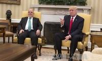 Trump accueille le Premier ministre irakien et affiche sa détermination face à l'EI