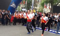 Coup d'envoi d'une course de relais en l'honneur des Sea Games 29