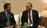 Les rencontres bilatérales du Premier ministre vietnamien à Manille