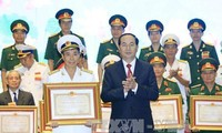 Deux ouvrages collectifs  décorés du prix Ho Chi Minh