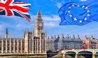 Brexit: l'UE donne son feu vert officiel à Michel Barnier pour ouvrir les négociations