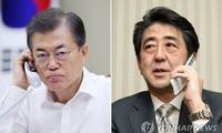 Moon Jae-in et Shinzo Abe d'accord pour résoudre pacifiquement le dossier nucléaire nord-coréen