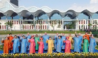 APEC-2017: Le costume officiel  imprégné de l'identité culturelle du Vietnam