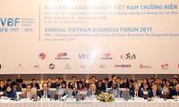 Nguyen Xuan Phuc au forum d'entreprises du Vietnam 2017