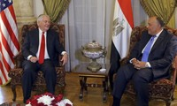 Au Caire, Tillerson entame une tournée délicate au Moyen-Orient