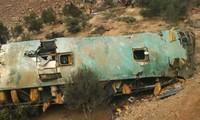 Pérou: un bus chute dans un ravin, 44 morts