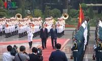 Cérémonie d'accueil officielle en l'honneur du président Moon Jae-in