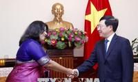 Pham Binh Minh reçoit l'ambassadrice du Bangladesh au Vietnam