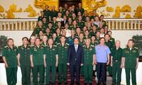 Nguyên Xuân Phuc rencontre d'anciens combattants du front Tây Nguyên