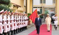 Les forces de police suivent les six recommandations du président Hô Chi Minh