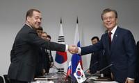 Entretien entre Moon Jae-in et Dmitri Medvedev