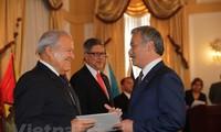 L'ambassadeur du Vietnam au Salvador présente ses lettres de créance