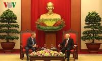 Nguyên Phu Trong reçoit l'ambassadeur britannique au Vietnam