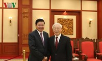 Nguyên Phu Trong reçoit des dirigeants laotiens et cubains