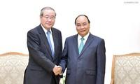 Nguyên Xuân Phuc reçoit le président du groupe japonais Sumitomo Mitsui