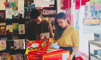 Hô Chi Minh-ville: le marché des calendriers s'anime