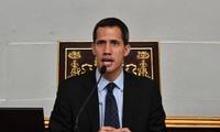 La Cour suprême du Venezuela interdit à Juan Guaido de quitter le territoire