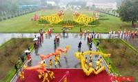 Offrande d'encens dans la cité royale de Thang Long